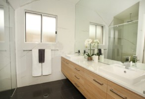 bathroom - Peregian 07 1080