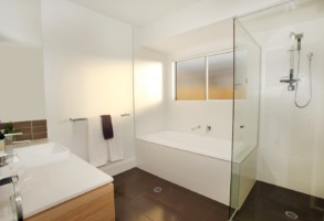 bathroom - Peregian 10 1080
